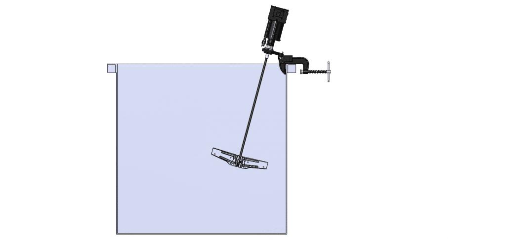 Clamp Mount Mixer in Cutaway Tank